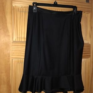 Bebe silky finish ruffled Navy Blue Skirt Sz 8